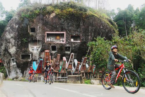 Cycling Jalur Batutumonga 01